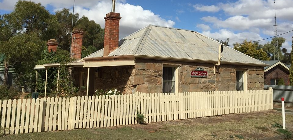 Blyth Cottage - Clare Valley - b1